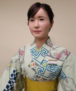 toshiba-mitsukoshi-aiko-chihira-robot-android-1