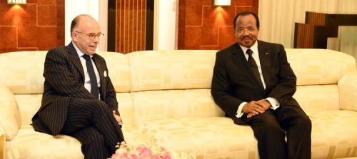 Bernard Cazeneuve et Paul Biya/ ©PRC