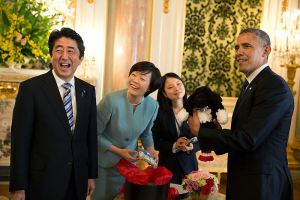 800px-Shinzo_Abe_with_Obama_laughing_2014