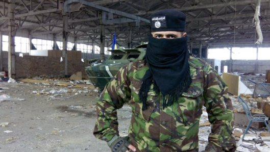 NATO-puppet Azov Battalion Wears Daesh Insignia-1